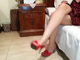 Egyptian Mistress Lamees Feet-Teasing Mistress Abir