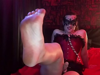 Worship my Strapon,  Serve my Feet! Mistress Hotwife Venus.