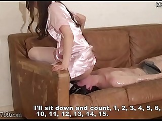 Japanese Mistress Risa enjoys Facesitting