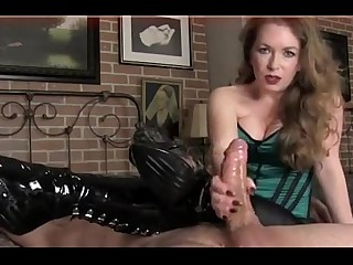 Dirty talking Mom Cock Play - Join Free at MOISTCAMGIRLS.COM